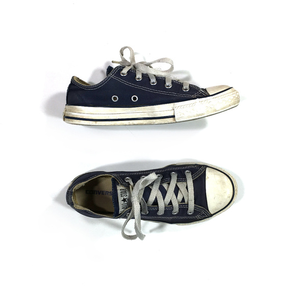 CONVERSE All Star Low Top Navy Blue Shoes Chucks Kids Youth
